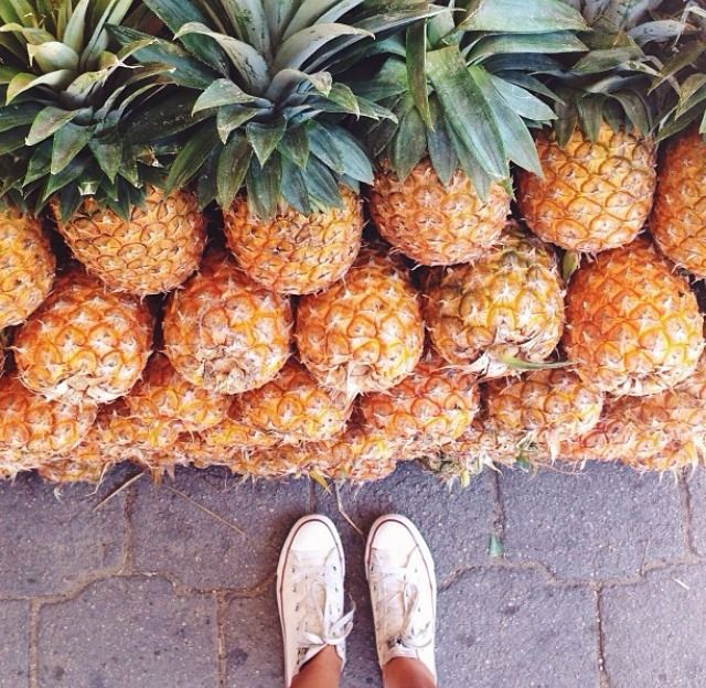 pineapple galore // #tropicalsqueeze #planetblue