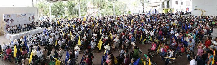 ¡Oaxaca no se vende; tiene dignidad!