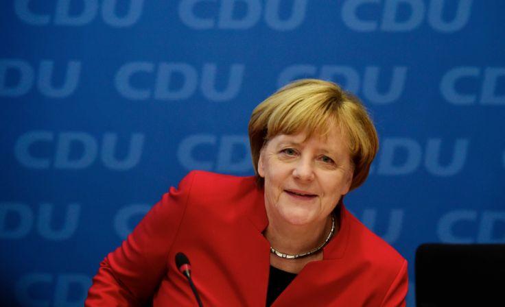 Merkel cumple 63 años, inmersa en su campaña electoral y con sondeos a favor