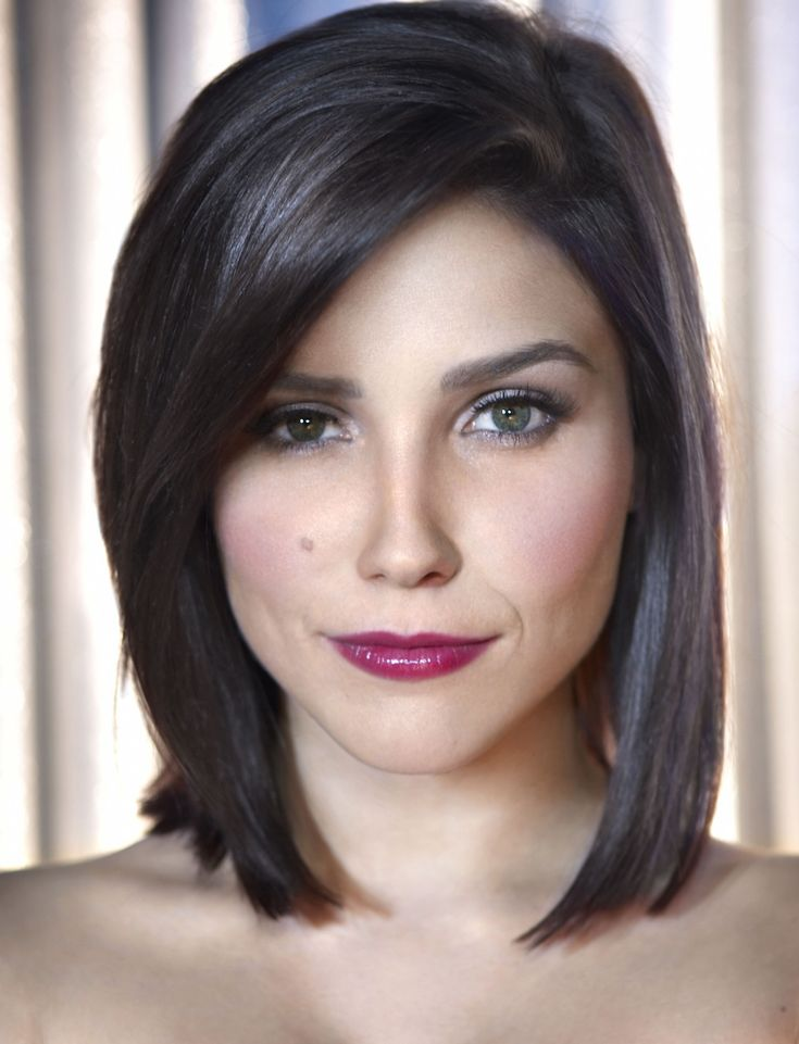 Sophia Bush (Shoulder-Length Bob)