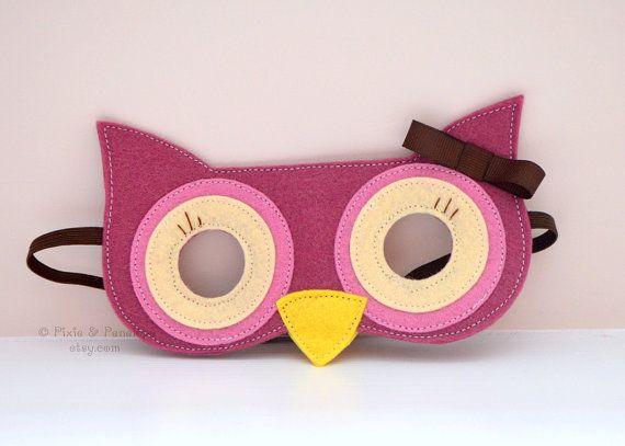 wool-felt-owl-mask-children-pretend-play. Roze vilten uil masker voor kinderen.