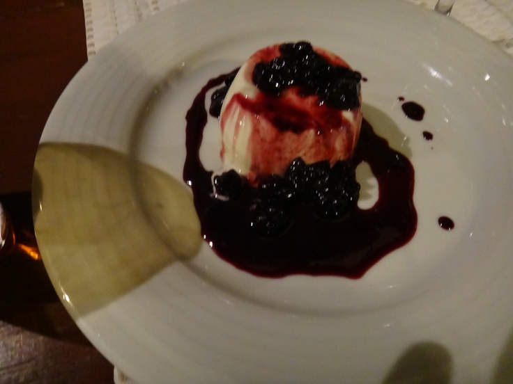 pot au creme with blackberries