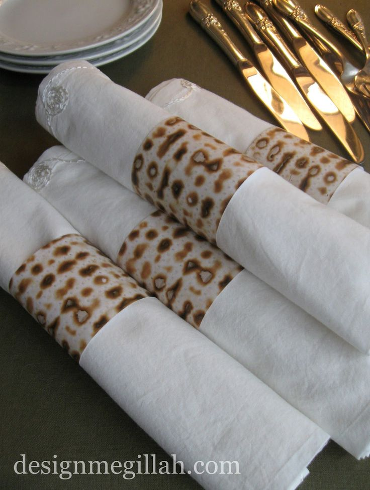 napkin rings | These paper napkin rings are colored xerox copies made from real ...