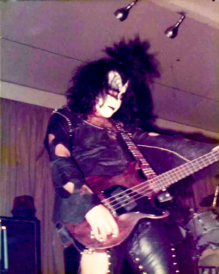 Kiss Without Their Makeup: 291 Best GENE SIMMONS 73-75 Images On Pinterest