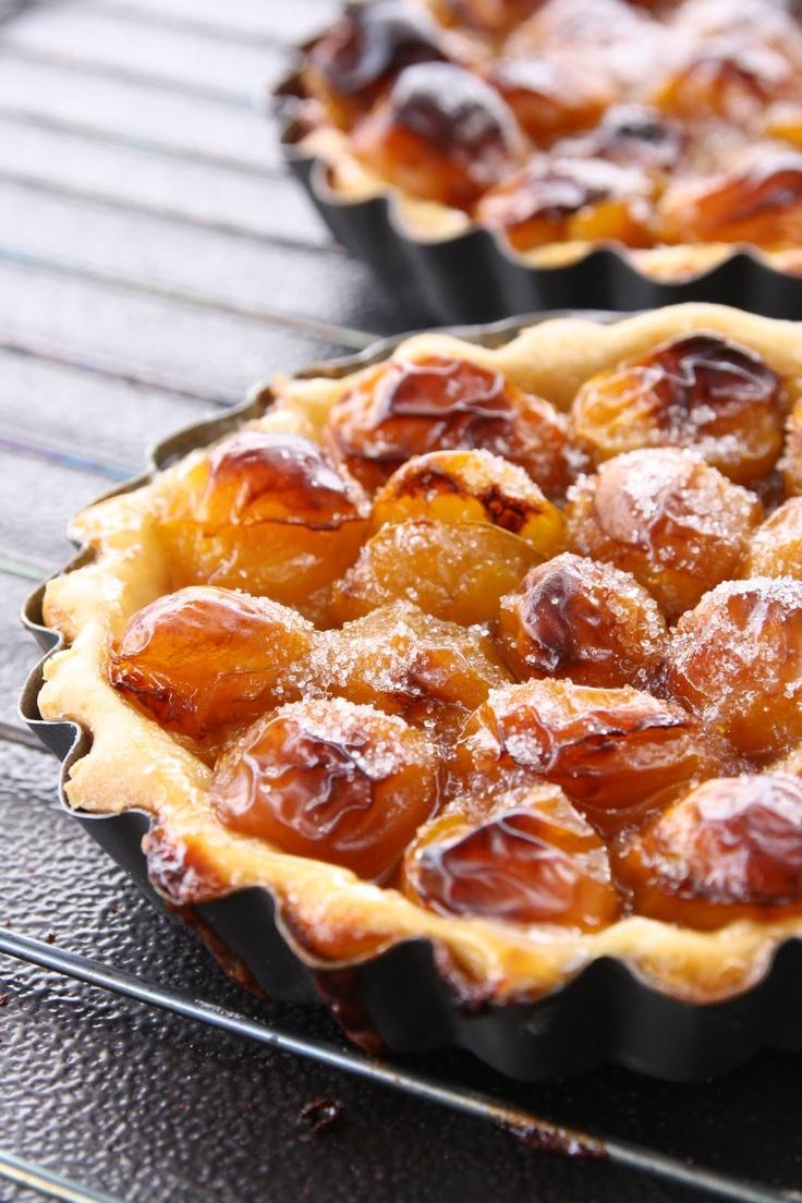 Tarte aux mirabelles et Spéculoos  spiced plum pie/tart