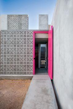 Casa Gabriela se inspira en la cultura yucateca y adopta sus colores, vegetación, artesanías y arquitectura.