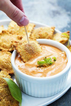 Toasted Ravioli + Cheesy Marinara Sauce | Creme de la Crumb