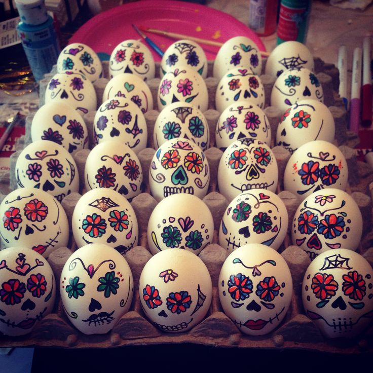 Día de Los Muertos cascarones ... Day of the dead confetti eggs - @solistea