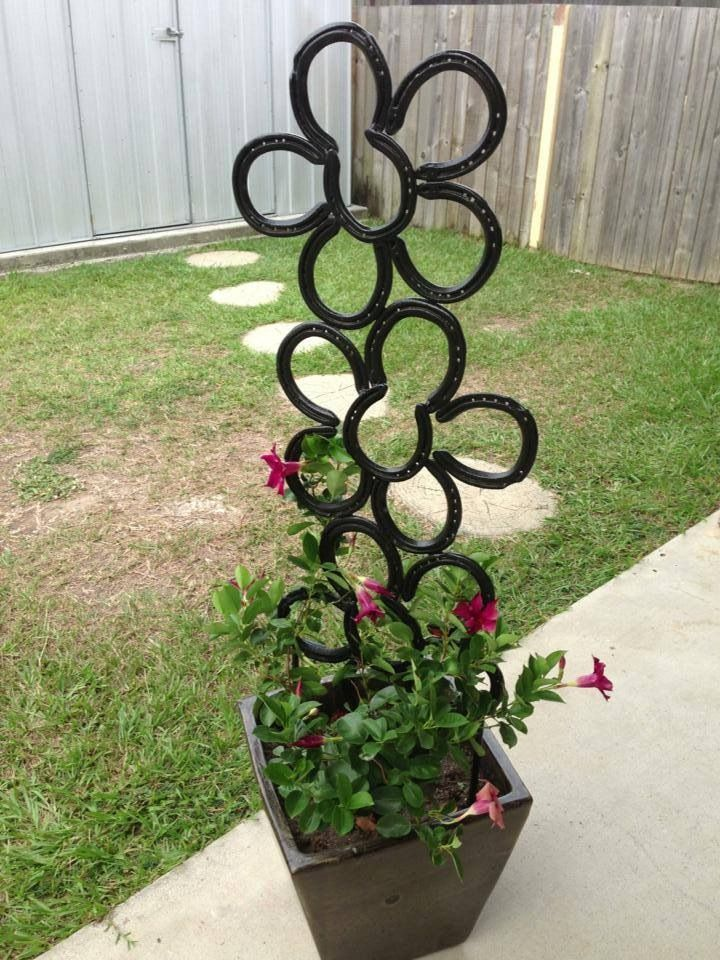 Flower plant climber $45 Find lots of horse shoe creations at https://www.facebook.com/Kreationsbykell We post all over Australia.