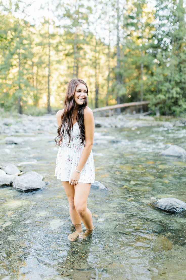 Wenatchee Senior Session | River Photo Session | What to wear to senior pictures | Senior Girl in Beautiful Floral Romper by the River | Senior Style Guide | Emma Rose Wenatchee Photographer | VSCO | Wenatchee Photographer-11.jpg