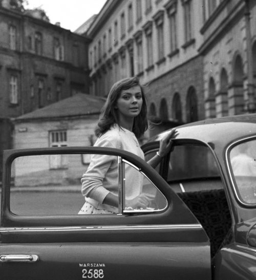 barbarabymarta:  Barbara Kwiatkowska- Lass photographed by Tadeusz Kubiak, 1959