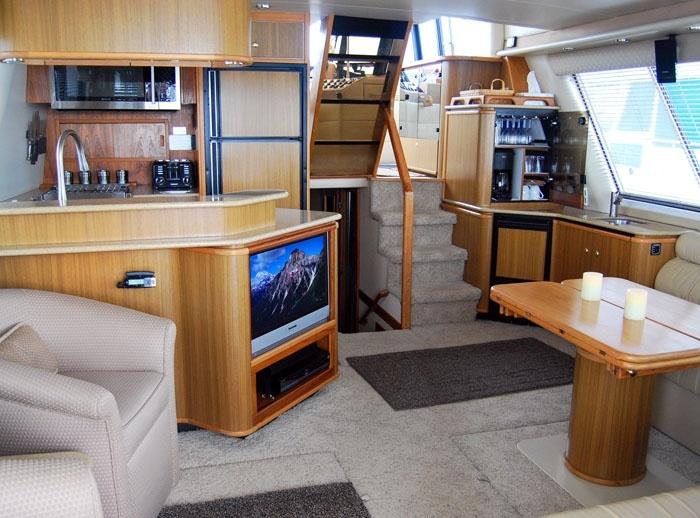 Bayliner 4788 Storage At Bar Cabinet Boats Pinterest