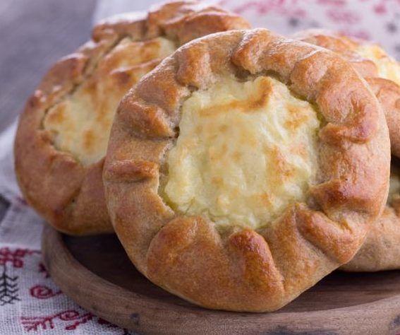 Русская кухня: шанежки на кефире с картошкой