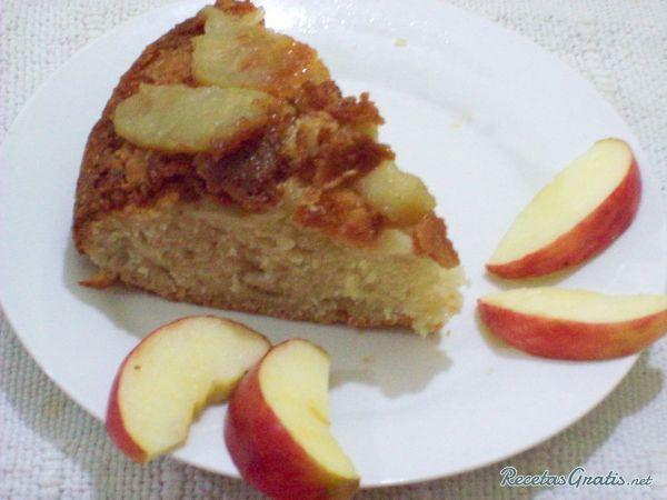 Torta invertida de manzana y pera