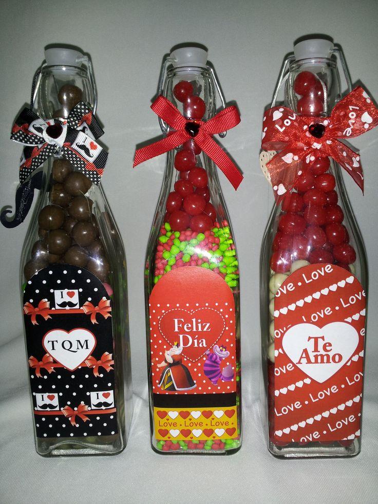 Botellas porta mensajes rellenas de chocolates skitles - Dulces de san valentin ...