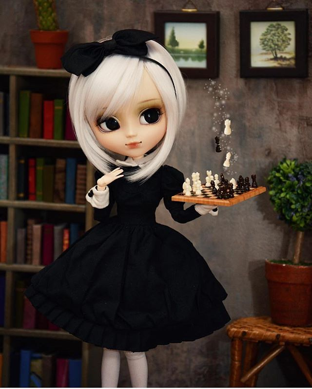 @annika_alive with the cutest chess game ever! Thanks for tagging your doll pics #dollphotogallery for your chance to be featured too! #dolls #dollcollector #barbie #barbiecollector #fashionroyalty #fr #integritytoys #licca #tonner #pullip #monsterhigh #everafterhigh #bjd #momoko #blythe #mh #eah #barbiestyle #itdolls #americangirl #agdolls #ag #disneyprincess #disneydolls #bratz #ken #vintagedolls #pullip