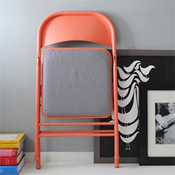 Christine Wisnieski shows you how to update a boring folding chair! ( via Design for Mankind)