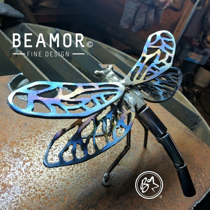 Hand plasma cut Dragonfly metal art. Made from a clutch plate, bearings and rio. Personalisation is welcome.  #metalart #dragonfly #gardenart #plasmacutting #etsystore #beamorfinedesign #findamaker