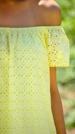 sunshine eyelet top / I USED TO WEAR ALMOST ONLY EYELET TOPS WHEN I WAS YOUNG.  I'VE LOVED IT EVER SINCE.  YOU DON'T SEE IT AS MUCH NOW.