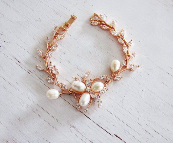 15 Perfect Gifts for the Mother of the Bride | rose gold flower bracelet