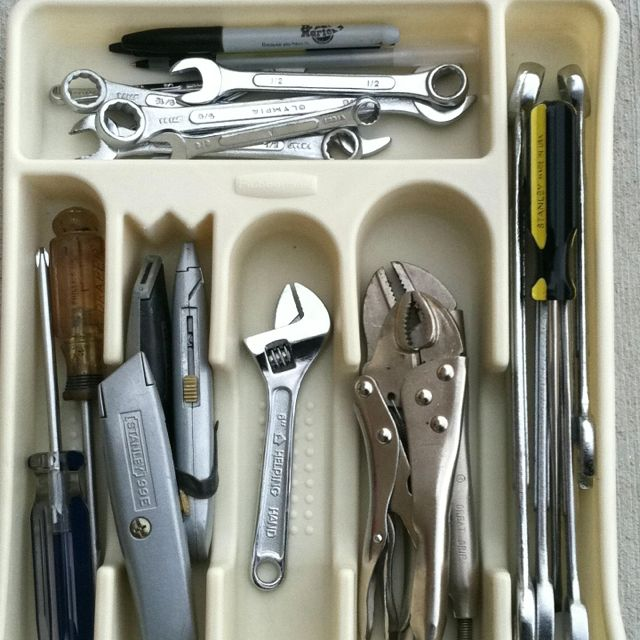 Organize MY INSIDE HOUSE tools for the laundry room drawer. YES!!