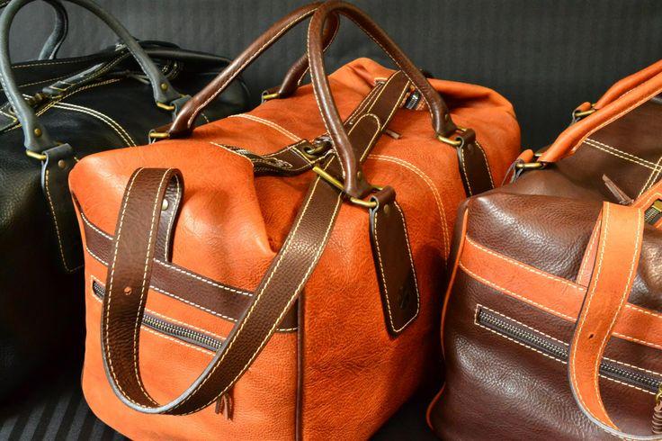 Bolsa de viaje de cuero - Faustini s.c. Super offerta con sconto del 50% su borsone da viaggio in pelle  Great offer with 50% off on leather travel bag  Super oferta con el 50% de descuento en bolsa de viaje de cuero
