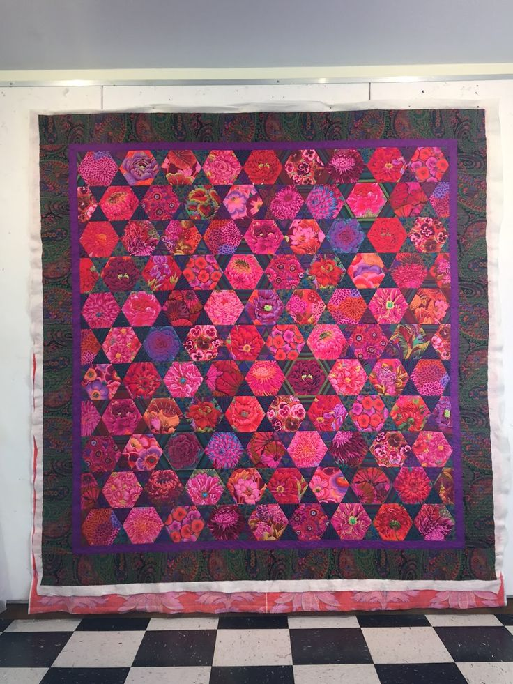 Kaffe Fassett hexagon quilt by Mayleen; quilting by Jan Hutchison | The Secret Life of Mrs. Meatloaf.