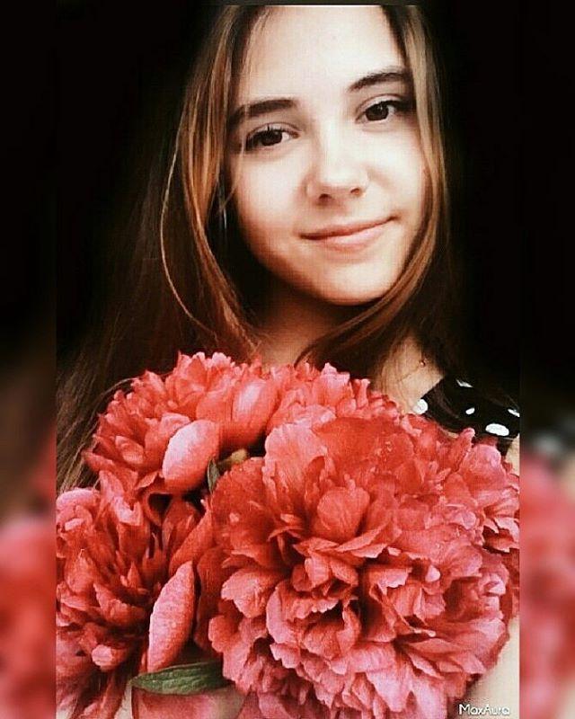 ♡ Будьте просты Будьте честны Будьте добры Будьте людьми…♡ . .  #любимыецветы #flowers #istagramanet #floral_splash #petals #total_flowers #flowerstagram #flowerslovers #loves_united_flora #kings_flora #floral #florals #flowermagic #instablooms #bloom#floweroftheday #пионы http://gelinshop.com/ipost/1523885360375280836/?code=BUl7alPljTE