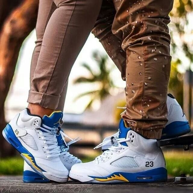 Sneaker Shoes Online Shopping