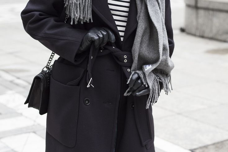 Scandinavian minimalism. Long navy coat from H&M Premium, Acne Studios grey scarf, denim, Stan Smith and Chanel ribbon on hair.