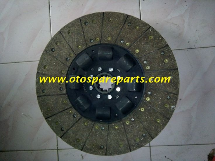 Disc Clutch DZ114160022 | Produk spare part truk dan spare part alat berat Tep : (021) 4801098 Fax : (021) 4801046 Hp : 081281000409/081284435303/087786401447/, kami jual meliputi komponen seperti radiator, intercooler, fan, van belt, waterpump, dinamo starter, dinamo charge/alternator, turbocharger, oil cooler, knalpot/muffler, camshaft, piston, connrod bearing/metal jalan, metal bulan, main bearing/metal duduk, liner/sleeve/boring, rocker arm, oli jet, oil pump, fuel injection pump…