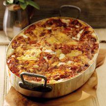 Heerlijke lasagne! Selderij vervangen door paprika, blikje tomatenpuree toevoegen, eventueel mager gehakt erdoor! Winterwortelen of even voorkoken of in kleine blokjes snijden!