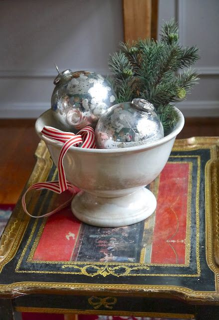 Simple sofisticated decoration Chateau Chic: A Vintage Christmas Home Tour 2013