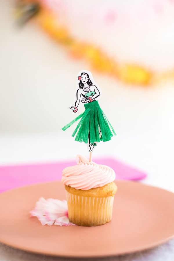 DIY Hula Dancer Cupcake Toppers | DIY ideas, party themes and entertaining ideas