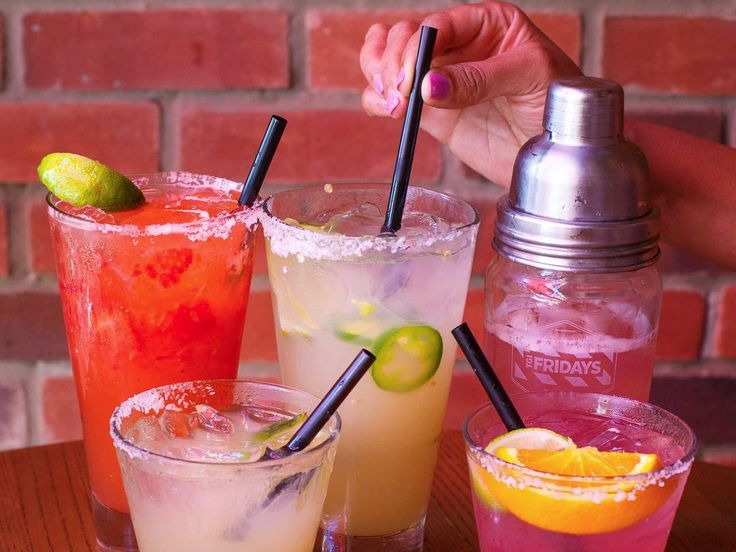 TGI Fridays is going to start delivering booze  and it could help defeat a curse sweeping the restaurant industry