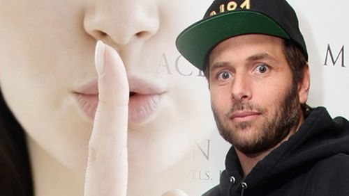 RICK SALOMON GETTING IT QUIETLY…NEARLY!  Pamela Anderson has continued her war of words with her husband Rick Salomon by declaring to everyone within earshot that he took Andy Beal to the tune of $40m, and she wants half when the pair eventually divorce for the 15th time.  http://calvinayre.com/2015/03/20/poker/rick-salomon-getting-it-quietlynearly/