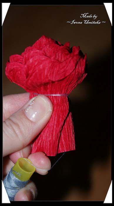 поделки розы из гофрированной бумаги