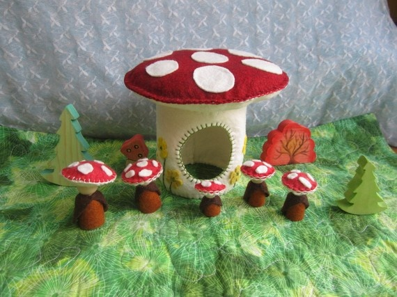 mushroom house, could easily adapt this for Totoro or Kodama houses.