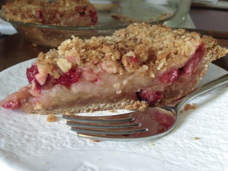 Cranberry-Apple Crumb Pie: Not Just for Thanksgiving on http://debbiekoenig.com