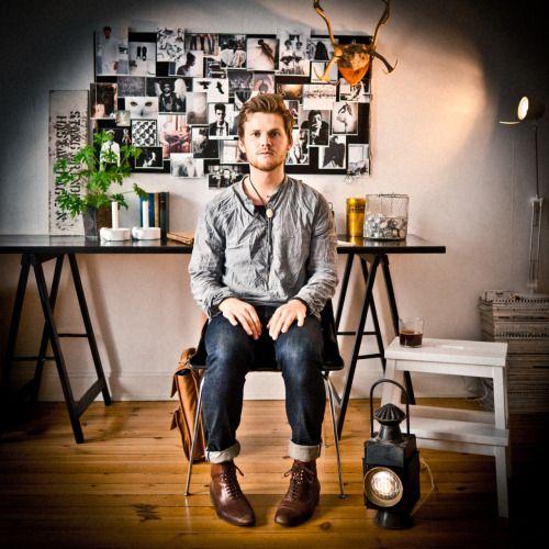 Peter Netskar är ett av göteborgspoppens nya namn. Hans debut-Ep är en skön mix av Simon & garfunkel och pop från Sverige såsom Her majesty. open.spotify.com/album/6mDb6r8TFKn13jtewCMl2Q