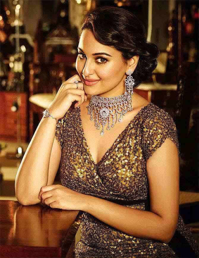 Sonakshi Sinha Height, Weight Body Measurements