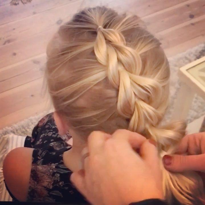 """467 gilla-markeringar, 22 kommentarer - @4kidsandbraids på Instagram: """"Hör kommer ett klipp på hur du fixar en frisyr med små hårsnoddar en sk pullthrough. För att…"""""""