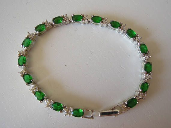 Bracciale vintage anni '70 con cristalli verde smeraldo.