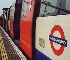 TUBE TRAIN | LONDON | ENGLAND: *London Underground*