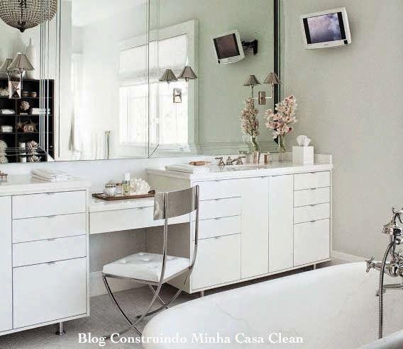 Tem o moderninho mais elaborado, com mais gavetas e eu considero gavetas muito importantes.
