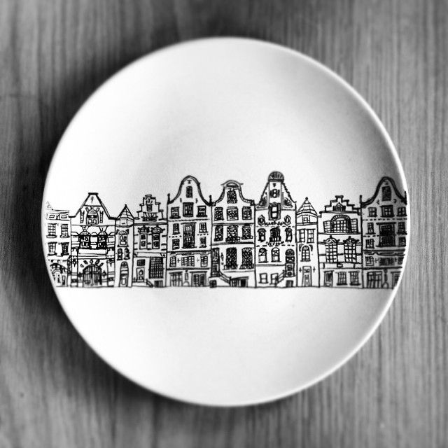 Put an artistic spin on your meals by using a sharpie to decorate your plates.
