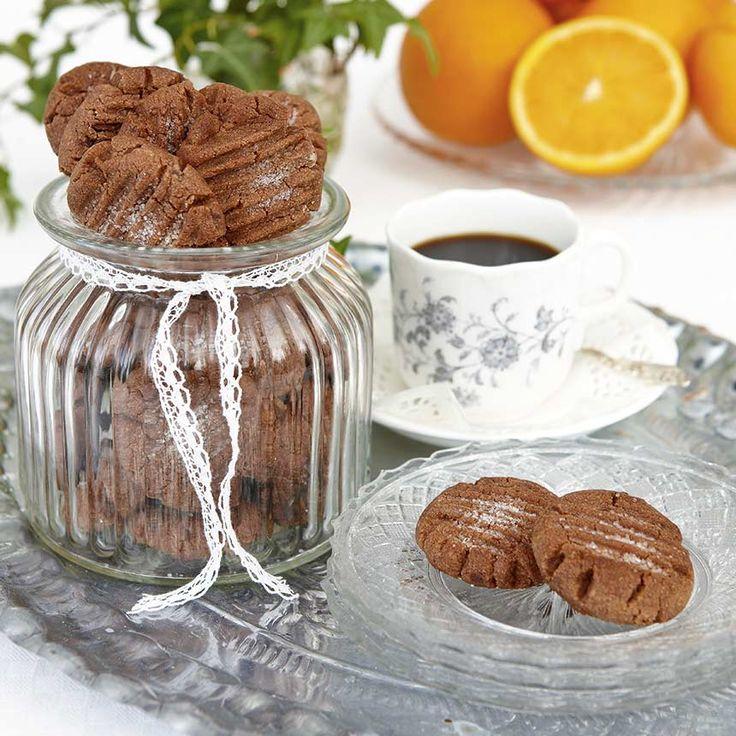 Knapriga småkakor som smakar både choklad och apelsin – en oslagbar kombination. Fot Thomas Hjertén