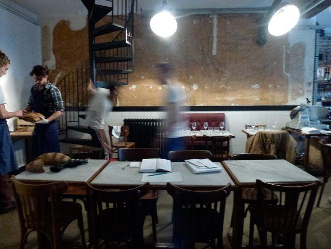 Restaurant Bones  43, rue Godefroy-Cavaignac  Paris (75011)   MÉTRO : Ledru Rollin, Voltaire & Charonne  TÉL : +33 9 80 75 32 08