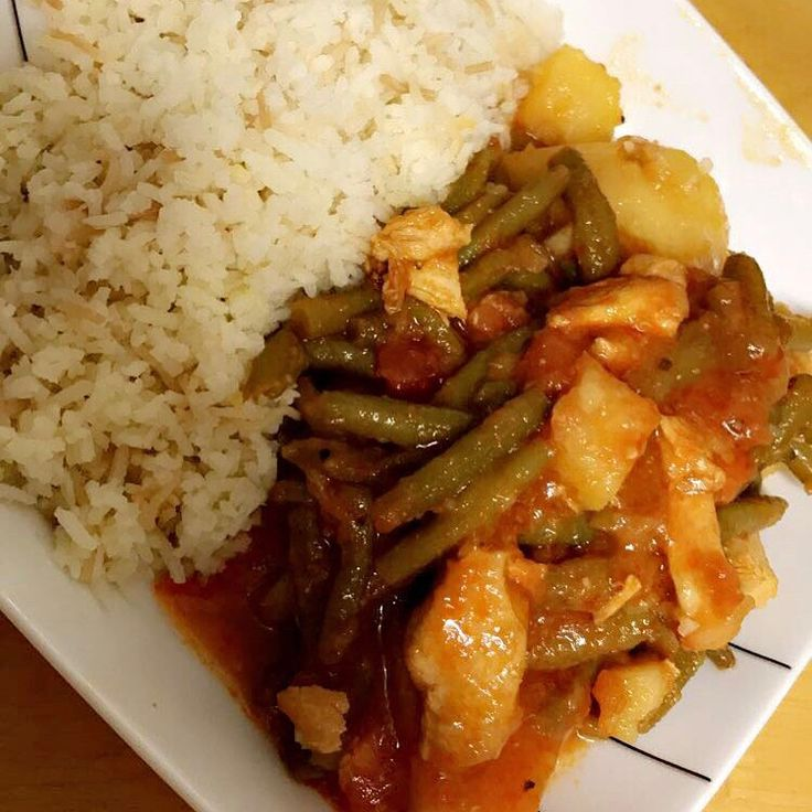 Turkish Green bean stew dinner with chicken and potatos���� #fasulye #tazefasulye #yum #yummy #stew #greenbean #turkishfood #turkishcuisine #cypriot #cypriotfood #turkishcypriot #homemade #rice #turkishrice #foodporn #foodie #foodblog #foodblogger #foodphotography #london #homemade ❤️ http://w3food.com/ipost/1507517672576704848/?code=BTrx1YGjuFQ