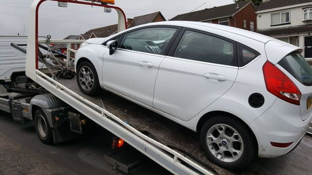 Police stop and seize car while learner driver is taking driving test